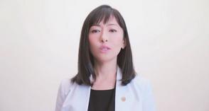 夏目佳恵役 松雪泰子