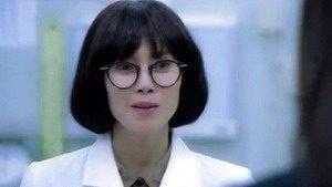 森本朋美役 中谷美紀